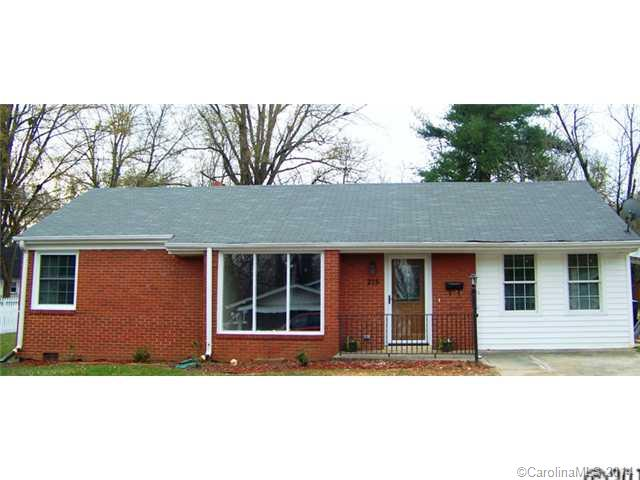 Rental Homes for Rent, ListingId:30704594, location: 215 Maple Street Statesville 28677