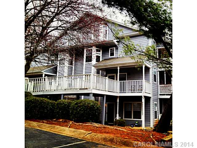 Single Family Home for Sale, ListingId:29046833, location: 6023 Treetop Court Unit 6023 Charlotte 28212