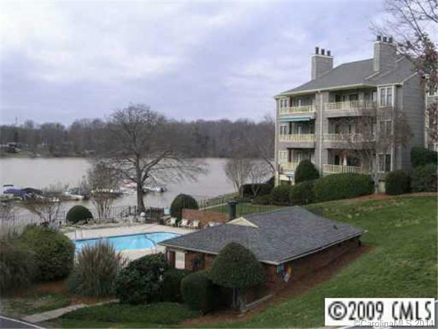 Rental Homes for Rent, ListingId:28488433, location: 9701 Emerald Point Drive # 5 Charlotte 28278