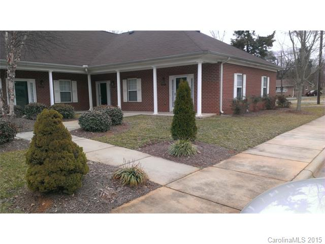 Single Family Home for Sale, ListingId:32886975, location: 7008 Somerset Springs Drive # F Charlotte 28262
