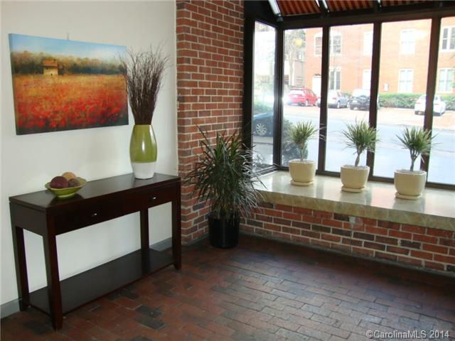 Rental Homes for Rent, ListingId:30878321, location: 224 N Poplar Street # 11 Charlotte 28202