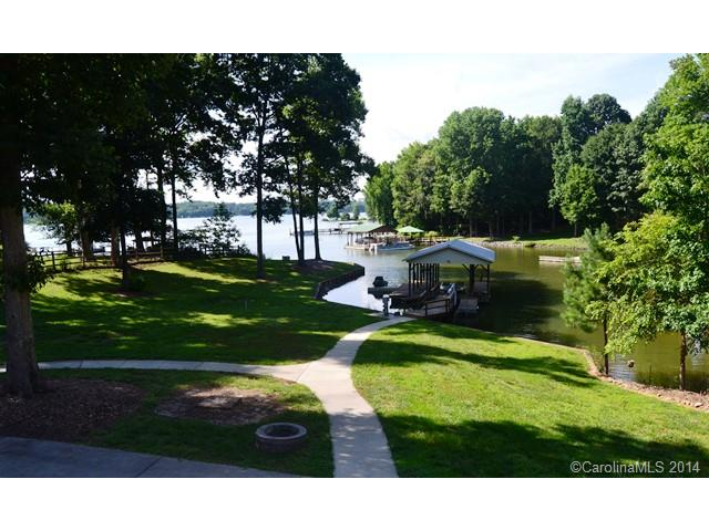 Rental Homes for Rent, ListingId:30752658, location: 608 Lakeview Shores Loop Mooresville 28117