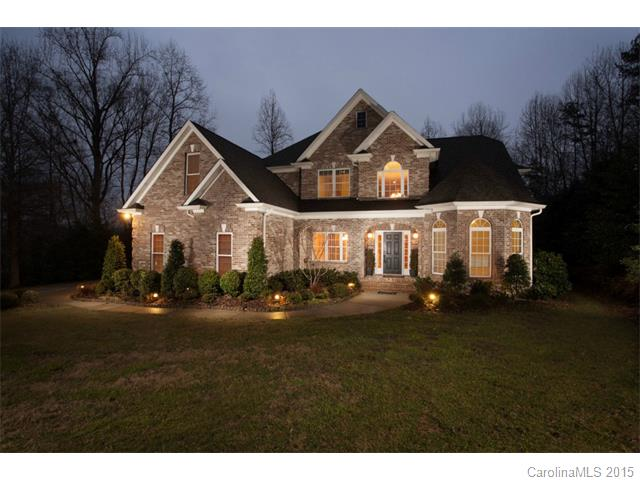 Single Family Home for Sale, ListingId:31471773, location: 820 Cool Water Court Ft Mill 29715