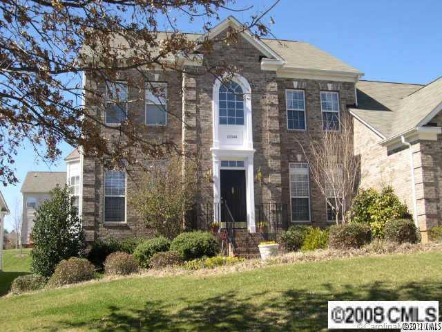 Rental Homes for Rent, ListingId:29262810, location: 15544 Donnington Drive Charlotte 28277