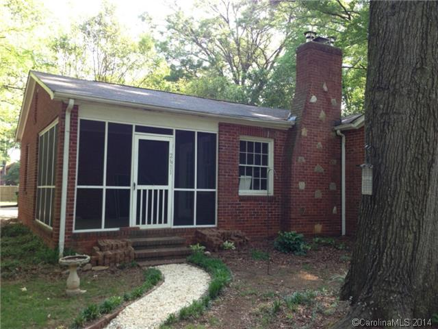 Rental Homes for Rent, ListingId:28109864, location: 2611 Providence Road Charlotte 28211