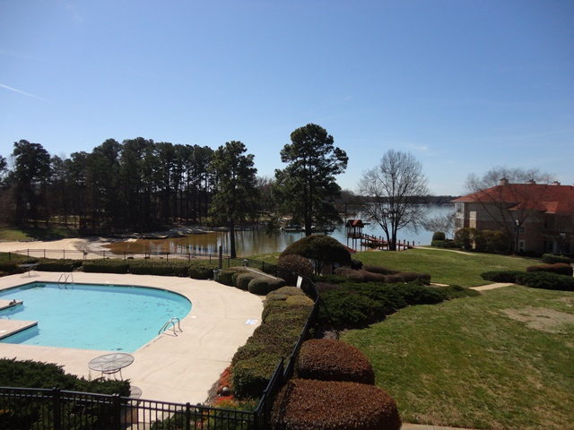 Rental Homes for Rent, ListingId:31846965, location: 17919 Kings Point Drive # H Cornelius 28031