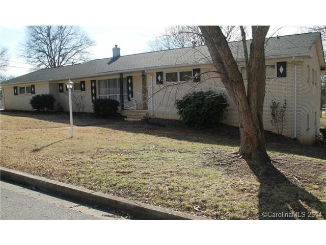 Rental Homes for Rent, ListingId:30999616, location: 1503 Pinehurst Street Gastonia 28052