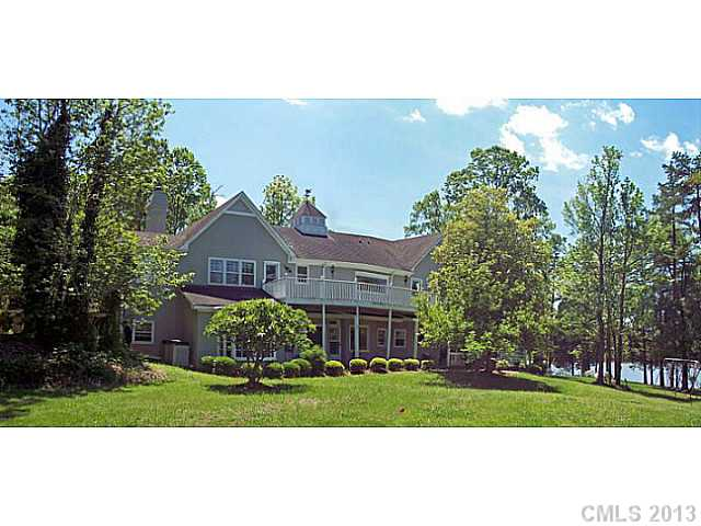 Single Family Home for Sale, ListingId:34069393, location: 321 Carroll Cove Lake Wylie 29710
