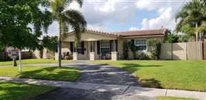 Miraculous 5760 Sw 17Th Street Plantation Fl 33317 For Sale Re Max Download Free Architecture Designs Sospemadebymaigaardcom